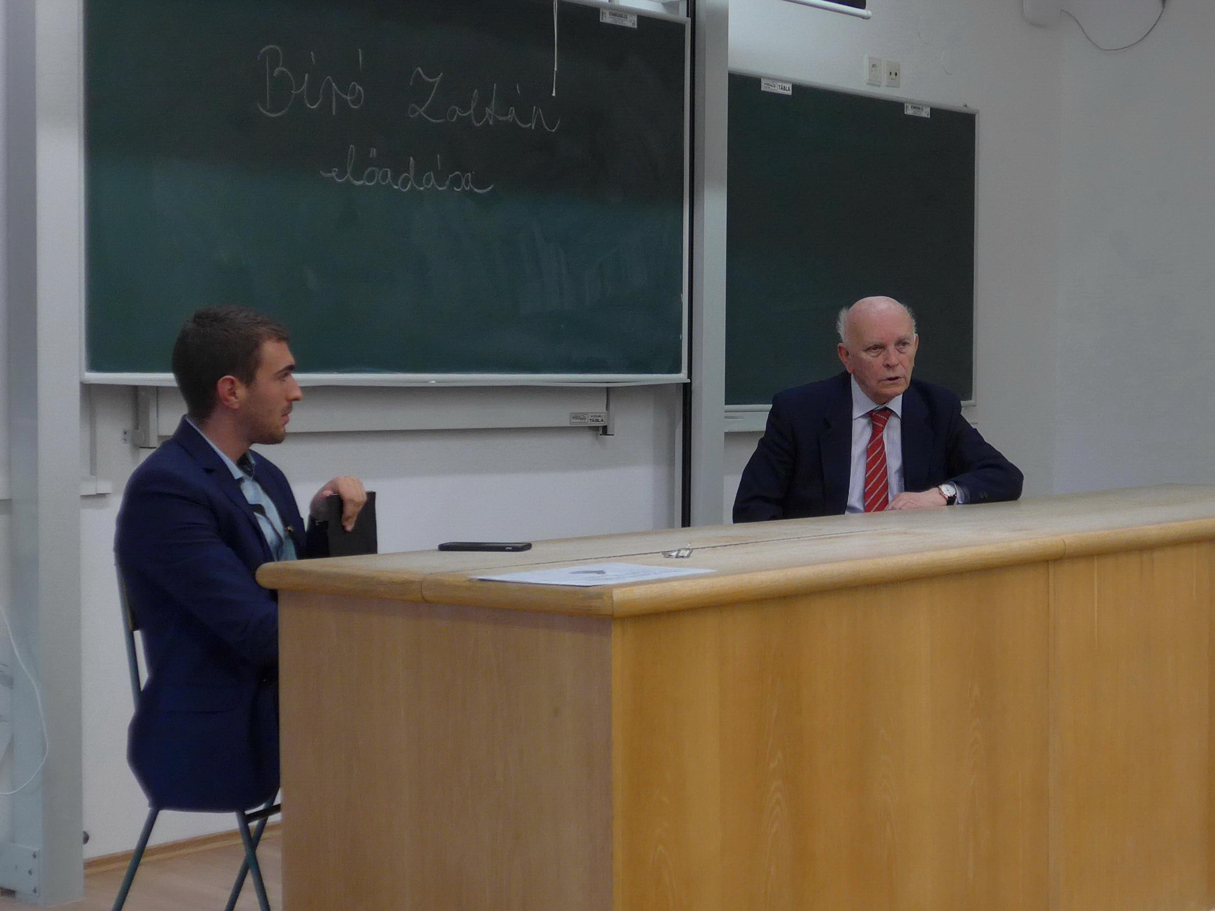 Bíró Zoltán előadása a Pécsi Tudományegyetemen