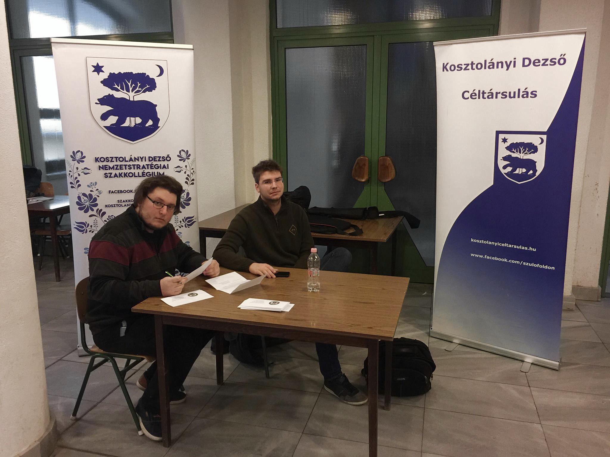A Nemzetstratégiai Szakkollégiumot népszerűsítették hallgatóink az egyetemen
