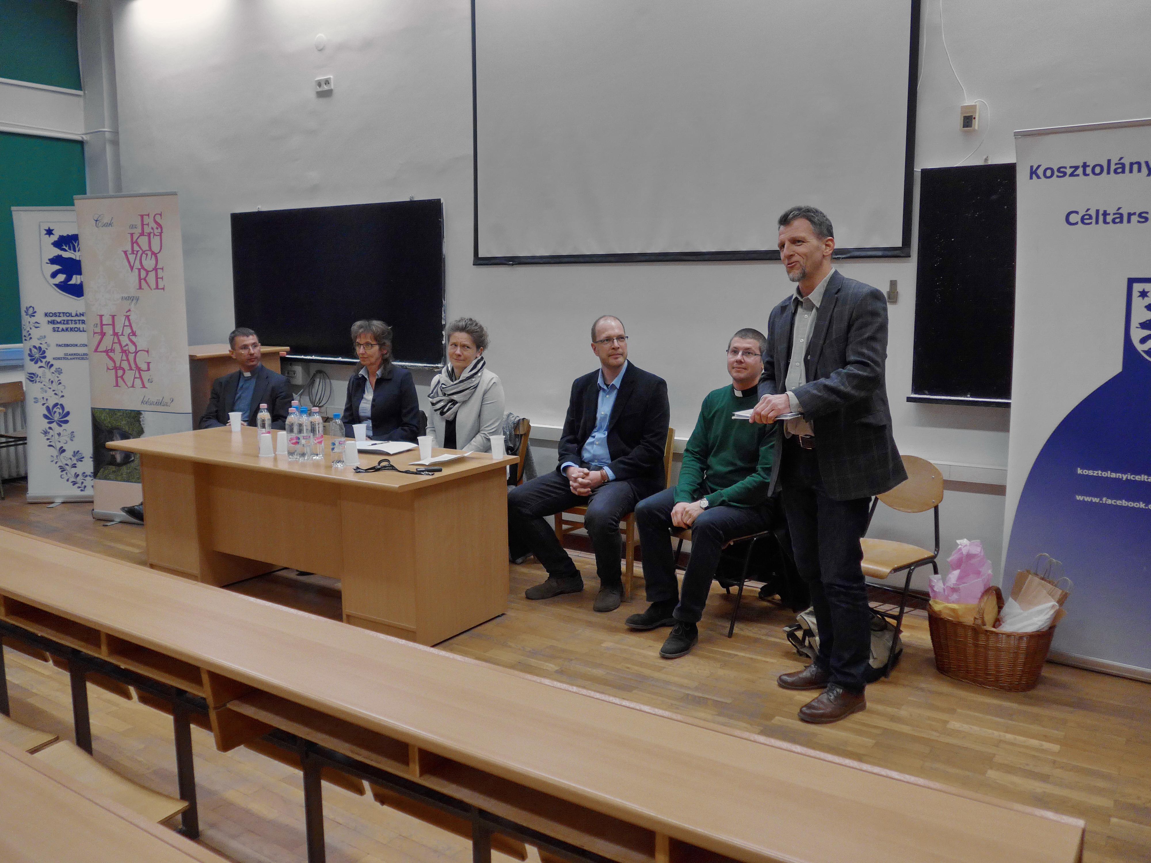 Párkapcsolat Felsőfokon: fórum